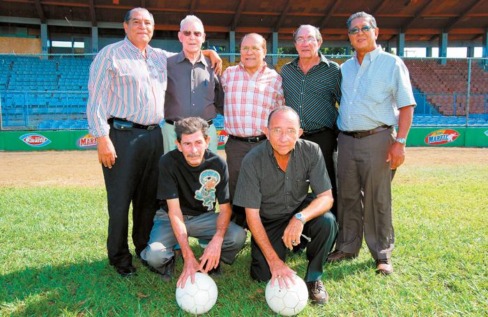 Siete jugadores de la Selección Nacional de Futbol de 1966