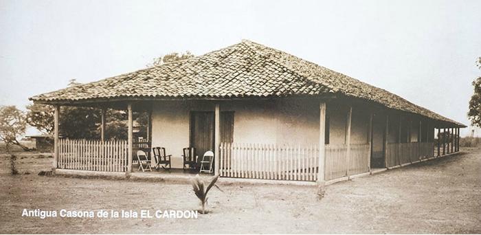 Esta es la antigua y famosa casona de El Cardón, propiedad de las autoridades portuarias, donde se hospedaría Darío durante sus vacaciones en 1908. El corinteño Wilfredo Luna, siendo un niño, vivió aquí por varios meses. Foto Cortesía Alcaldía de Corinto.