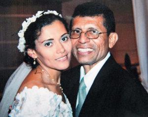 En Israel. Feliz. Con Rebeca Sandoval Pacheco, durante su boda el 24 de enero de 2004.
