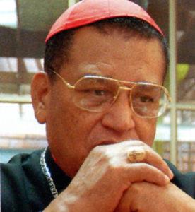 2 de febrero del 2001: Cumple 75 años y se dispone a presentar su renuncia al Papa.