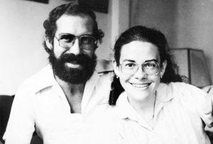 Con su alma gemela, su hermano José Ignacio, en Barcelona, en 1982.