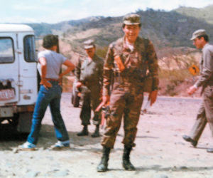 1983. En campaña militar.