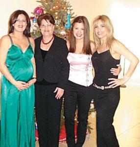 Cristyana junto a su mamá y sus dos hermanas, quienes viven en Estados Unidos.