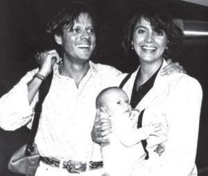 Con su esposa y su hijo mayor Juan Pablo en Nicaragua, hace 18 años.