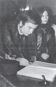 El exdiputado José Pallais  se graduó como Abogado y Notario Público en la UNAN-León. Más tarde, estudió en la Universidad Complutense de Madrid, España y asegura que la calidad era similar.