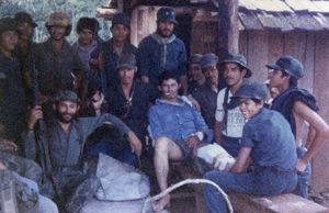 Sabawás, cerca de San José de Bocay. Abril de 1984, mientras la Contra evacuaba a Mike Lima después de resultar herido en una embocada.
