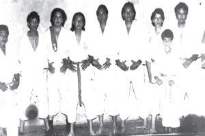 Gustavo Porras, tercero de izquierda a derecha, era muy lenguaraz según su maestro Ricardo Hoozky, una vez lo tuvo que callar aceptándole el reto de una pelea.
