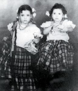Desde pequeña la vestían con huipil.