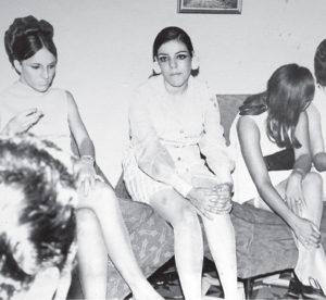 Aquí al centro en los años 70 en una