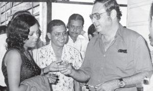 Cuando fue secretaria de Pedro Joaquín Chamorro y su look era convencional. 1974.