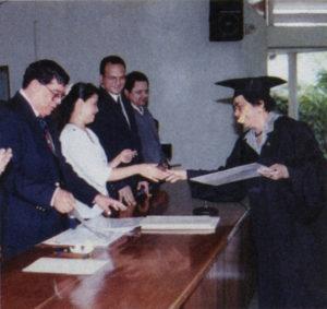 Se graduó como socióloga en la Universidad Centroamericana (1992).