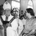 En menos de dos años, el obispo Salvador Schlaefer fue expulsado tres veces del país, porque el FSLN no quería oír su crítica sobre las masacres a las poblaciones indígenas.
