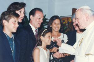 Fiel seguidora de Juan Pablo II, logró conocerlo en 1996, durante su visita a Nicaragua.