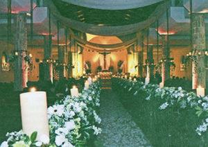 Según expertos organizadores de bodas, Montelimar o San Juan del Sur son casi las únicas y mejores opciones para una boda en la playa. Intermezzo del Bosque o Pueblo Viejo pueden ser alternativas para bodas en el campo.