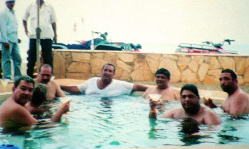 Foto de la piscina; Arnoldo Alemán, Byron Jerez, Alejandro Fiallos,