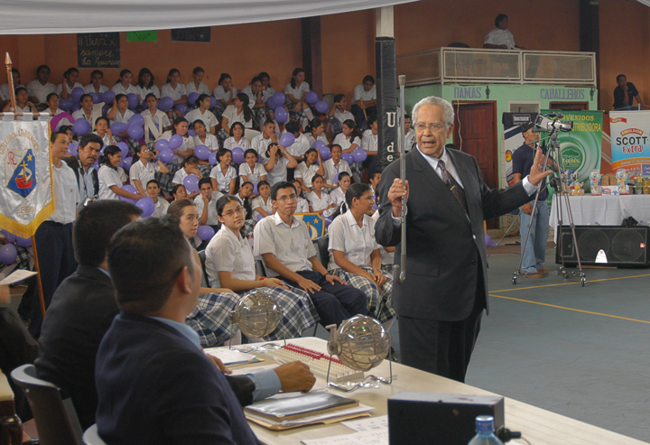 Profesor Julio César Sandoval