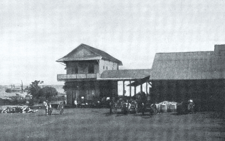 La Estación de Managua era la terminal de carga y pasajeros para las carretas, fotografiados por Georg Schmidt probablemente entre 1901 y 1903.