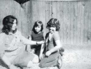 Gaby Baca con su madre Norma y su hermano Danilo.