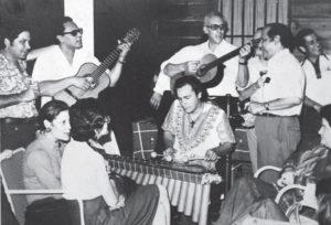 1974, Los Bisturices junto a Carlos Mejía Godoy.