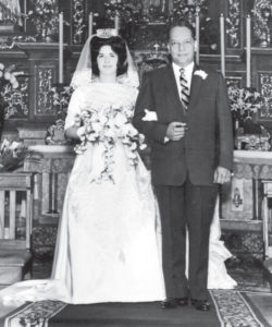 28 de diciembre de 1963. Fecha en que César Ramírez y Jean Morales dieron el sí en la iglesia El Carmen.