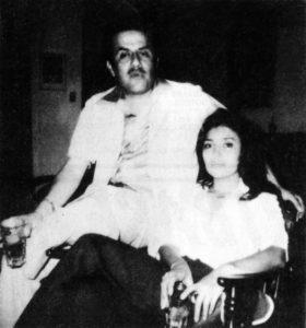 El diplomático Pepe Puente con Miriam Barberena en una noche de fiesta, serían claves para ejecutar la trampa contra Salazar. MAGAZINE /LA PRE NSA /Cortesía de Nicolás López Maltéz